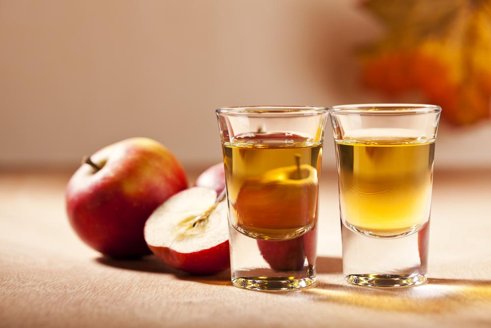 Сидр: польза для здоровья, чем отличается от пива и яблочного вина.